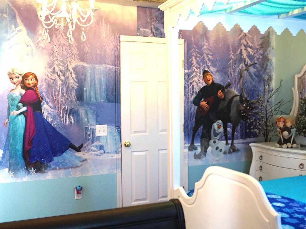 This Frozen bedroom is available at a vacation home rental at Disney ...