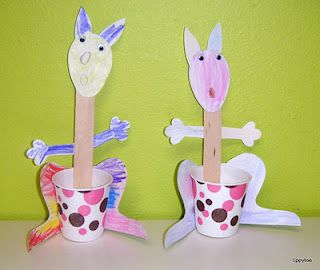 kangaroo craft! We even have these Dixie cups. Lol