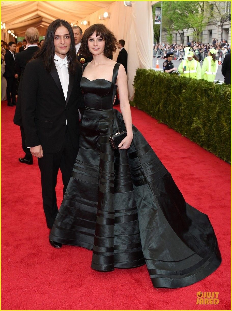 Felicity Jones Looks Amazingly Classy at Met Ball 2014 | 2014 Met Ball, Felicity Jones Photos | Just Jared