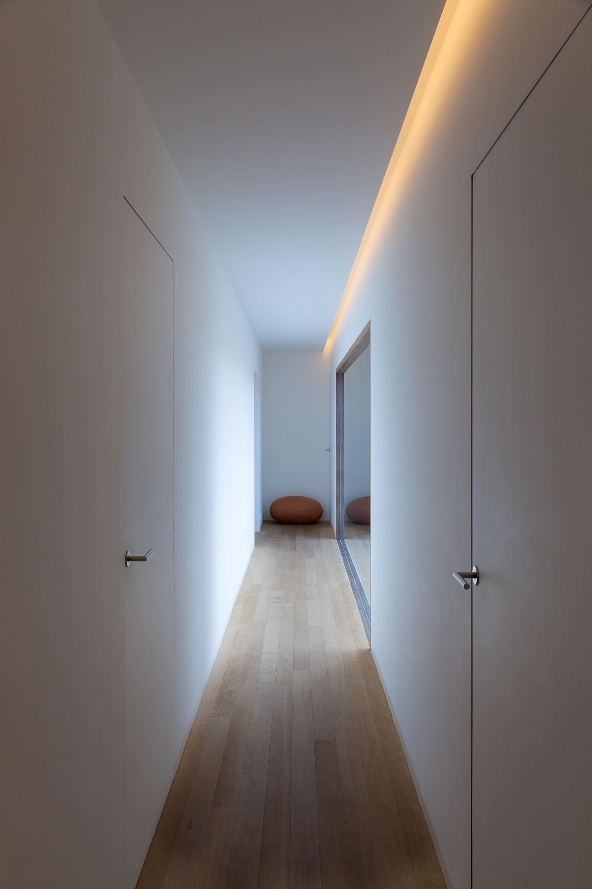 Pin de ani centeno en iiuminaci n radita puertas for Iluminacion minimalista interiores