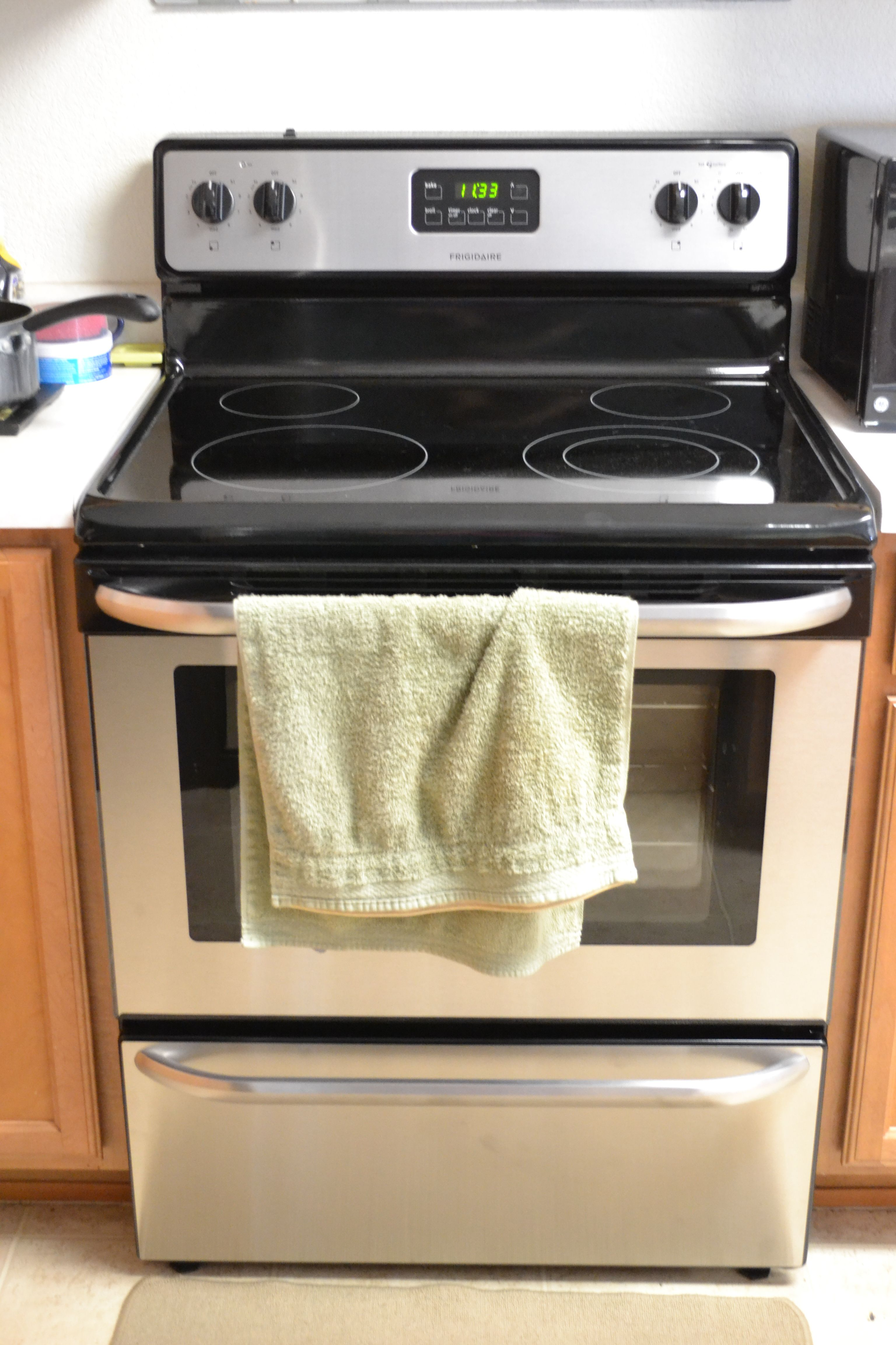 Loving the new stainless steel #Frigidaire stove!
