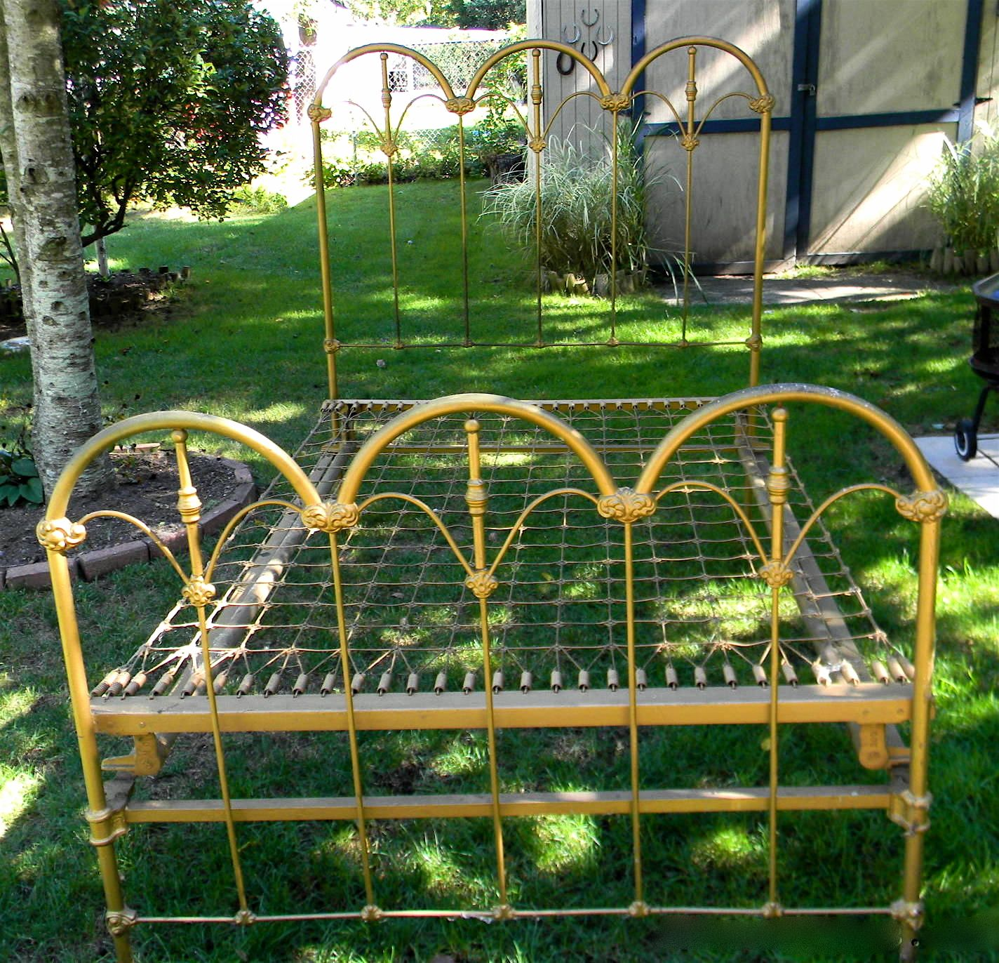 Symmetric Arches W Painted Brass Spokes On This Vintage
