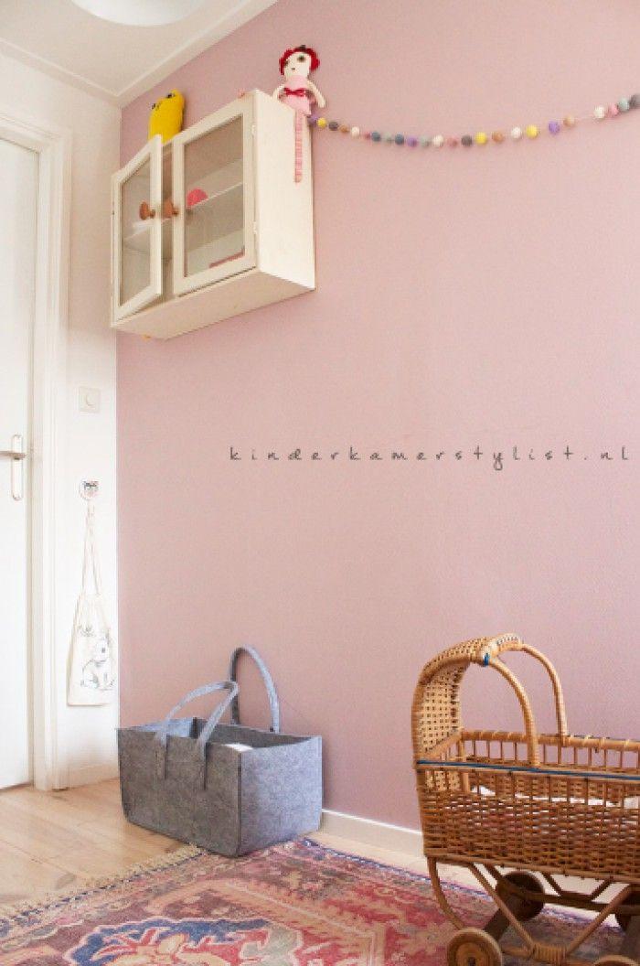 Poederroze muur  If we built a house  paint
