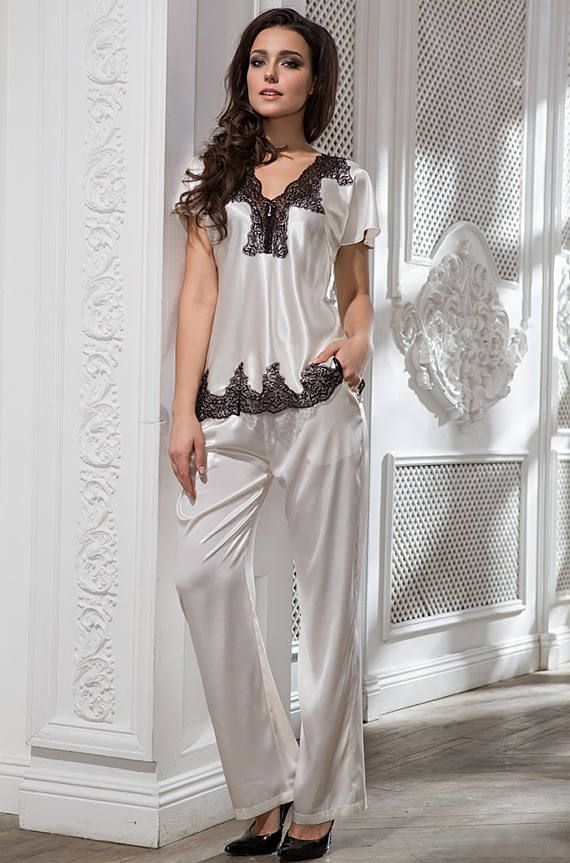 1b050ab378 Silk pajamas set. Heritage inspired pajama.