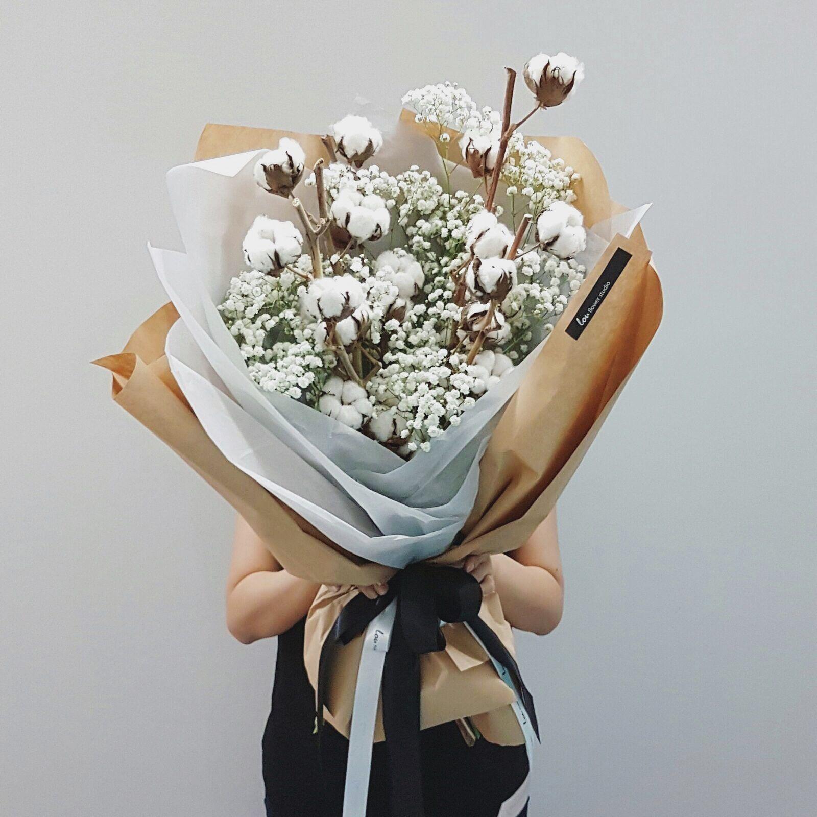 Giant Fluffy Bouquet Of Cotton And Baby S Breath Cottonbouquet Flowers Bouquet Gift Dried Flower Bouquet Cotton Bouquet