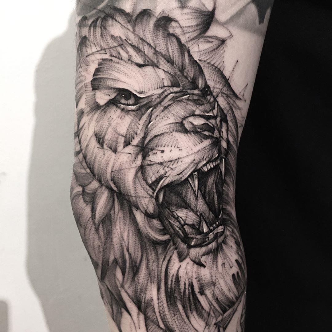Lion tattoos ideas meaning and symbolism of lion tattoo 2018 lion tattoos meaning and symbolism buycottarizona Gallery