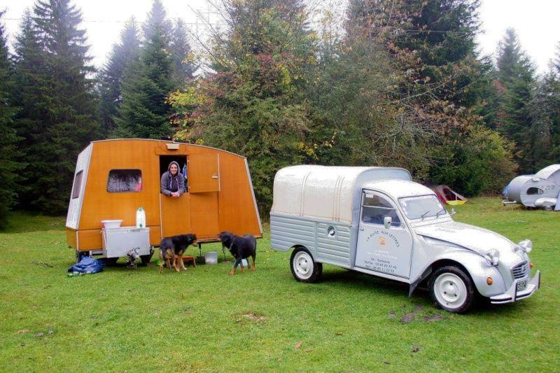 2cv et pliante en bois rapido caravanes pinterest 2cv caravane et bruxelles. Black Bedroom Furniture Sets. Home Design Ideas