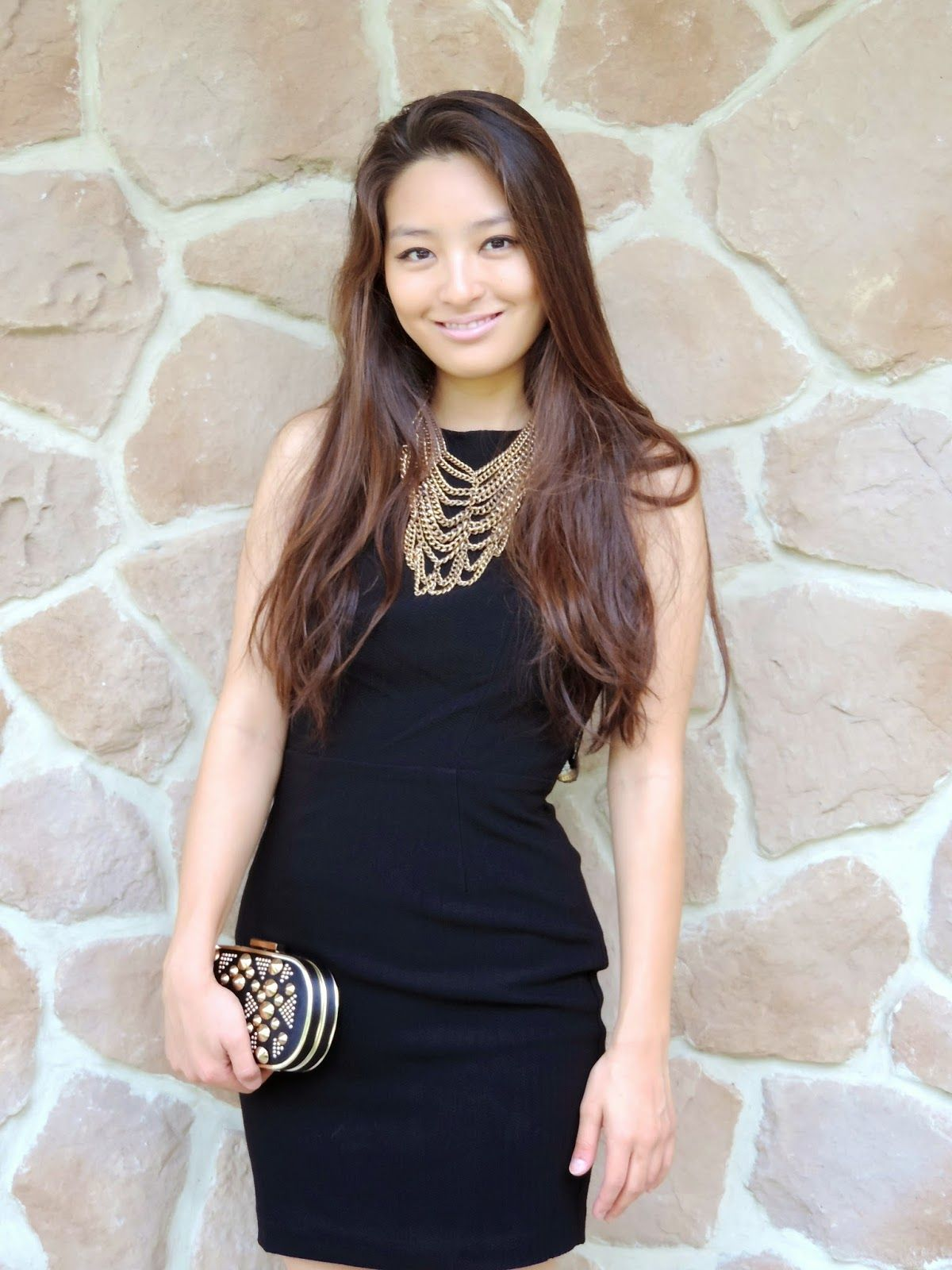 430be95c What Jewelry to Wear with a High-Neck Dress | Fashionable Dresses ...