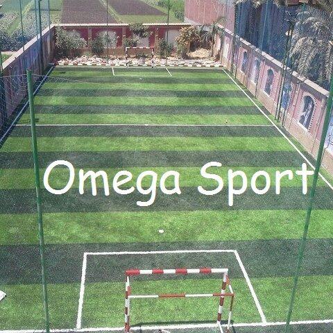 ملعب كرة قدم خماسى نجيل صناعى تركى بمساحه 22 42 924م2 نجيل صناعى تركى 5سم لون ولون بمواصفات اوربيه ومعتمد من الفيفا مهندس محم Omega Sports Omega Sports