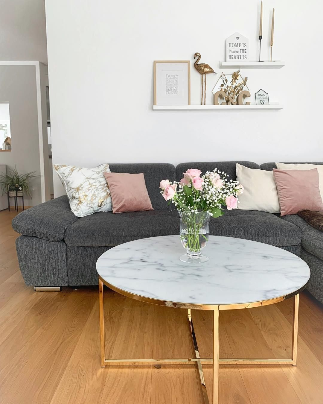 Pin Von Shae Auf Interior Design Living Room In 2020 Couchtisch Marmor Haus Deko Home Decor