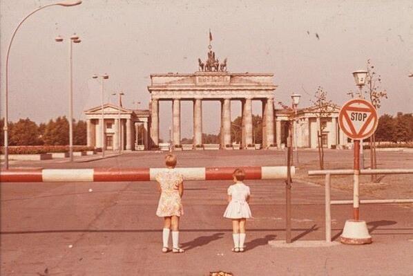 Twitter Brandenburger Tor Berlin Brandenburger Tor Berliner Mauer