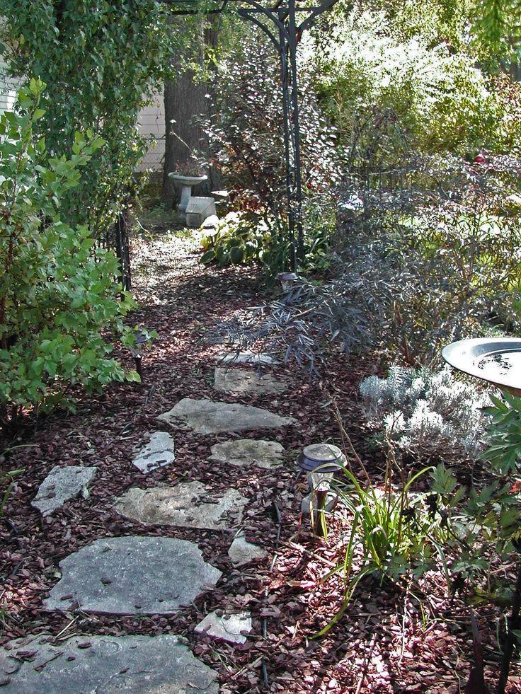 Flagstone U0026 Mulch Path For Dogs To Run On