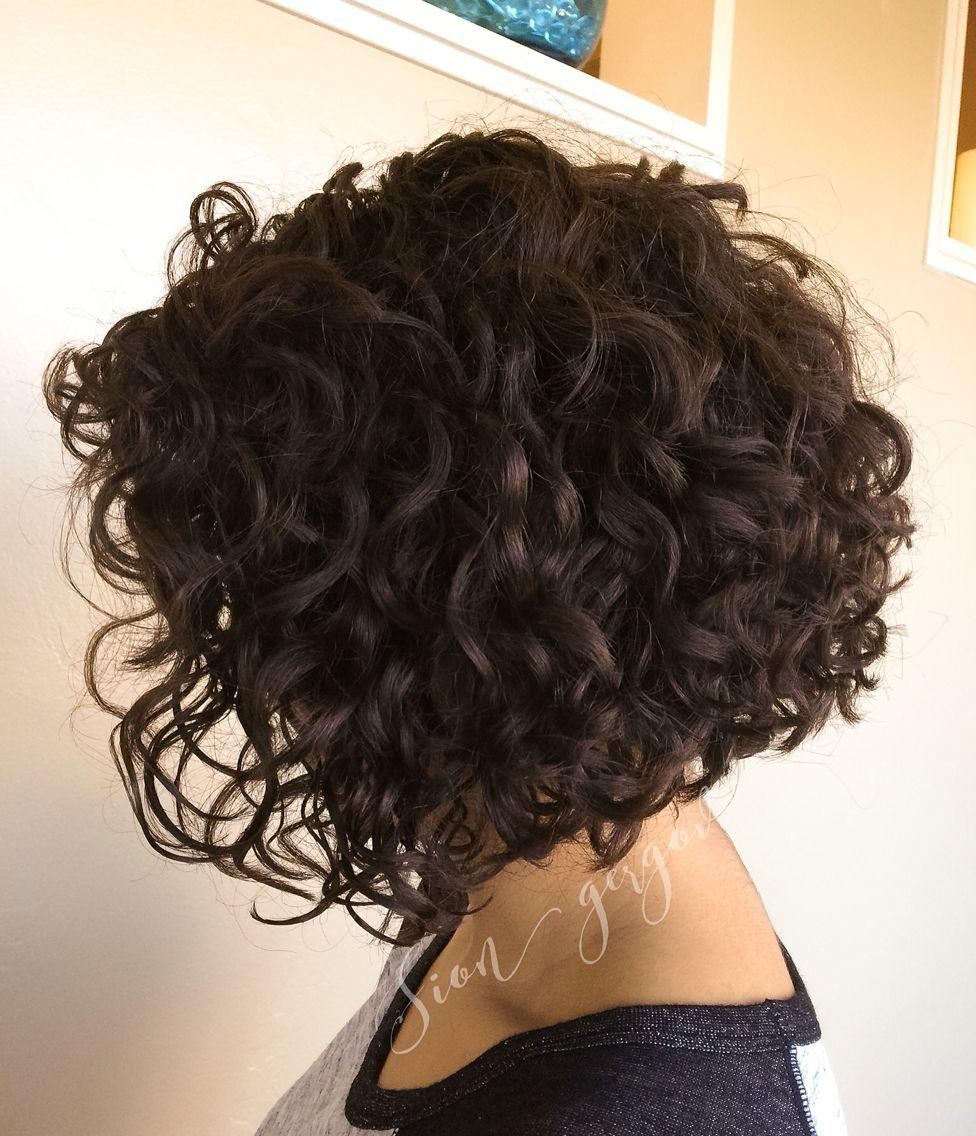 Pin By Esther Ochmann On Styln That Hair In 2020 Short Curly Haircuts Haircuts For Curly Hair Curly Hair Styles