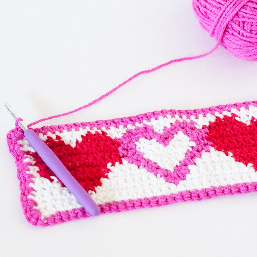Tapestry Heart Cup Cozy - Free Crochet Pattern | Teteras, Labores y ...