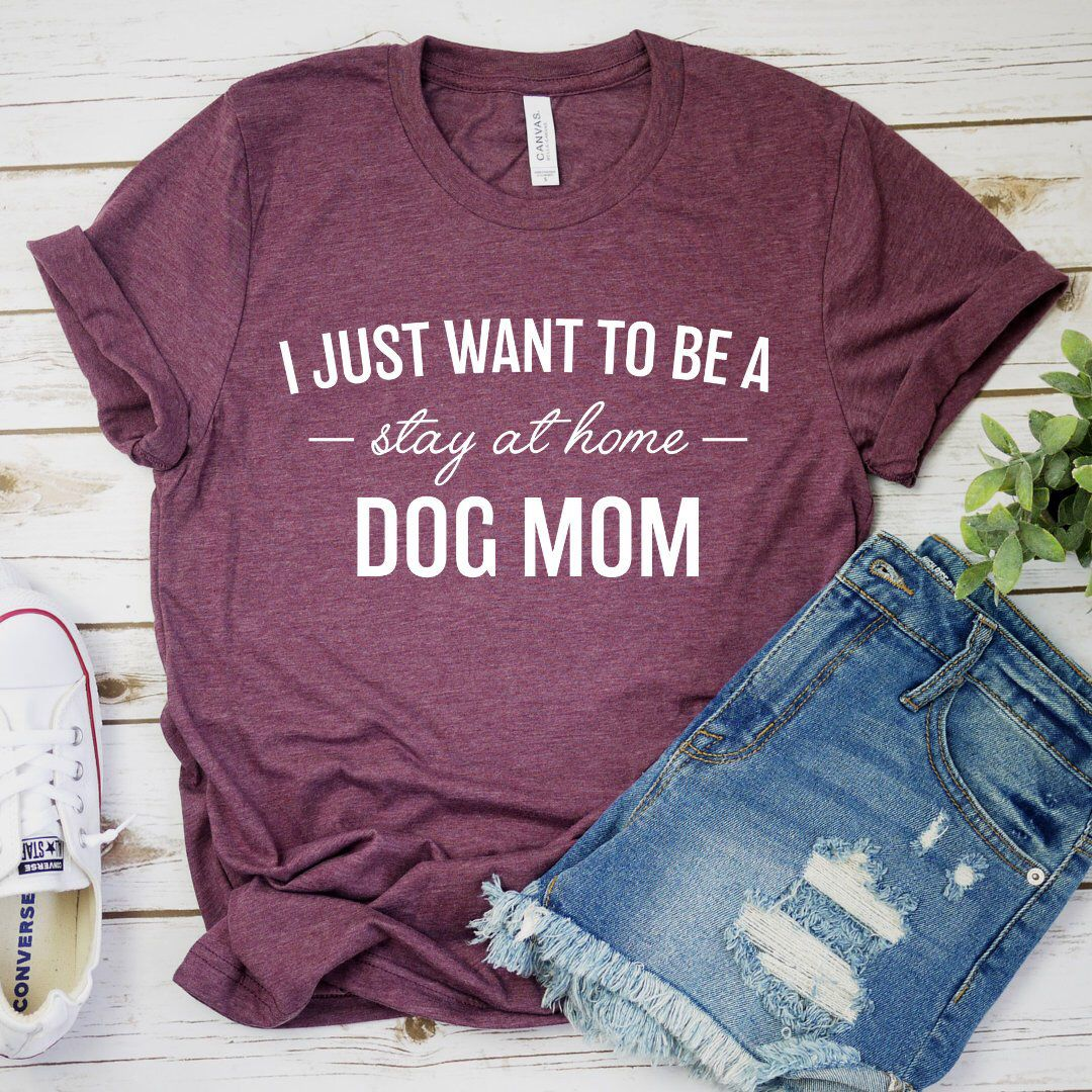 Dog Mom AF T Shirt Mom Of Dogs Pet Lovers Gift Idea for Mama Funny Women Tee