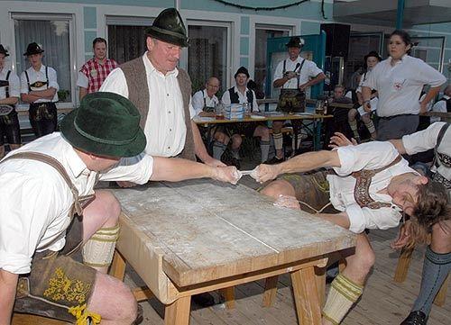 #Fingerhakeln #Brauchtum #Tradition #Bayern #Bayrisch #Bayerisch #Wettkamp #bavaria #germany #competition