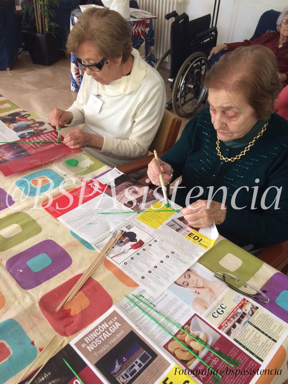 Residencias en Directo: Comencem a preparar les roses de #SantJordi en Centrogeriatricocatite Educadora Social: Natalia https://www.facebook.com/bspasistenciaslBsp Asistencia
