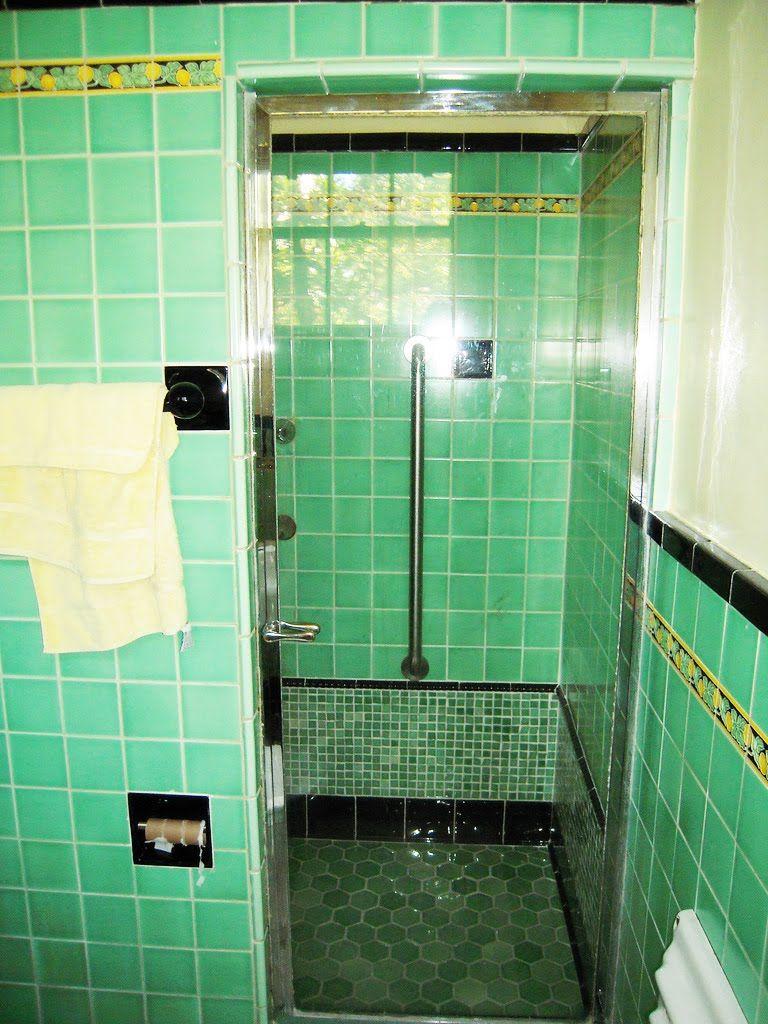 Vintage Tile Bathroom This Looks Like Our1940 S Bathroom