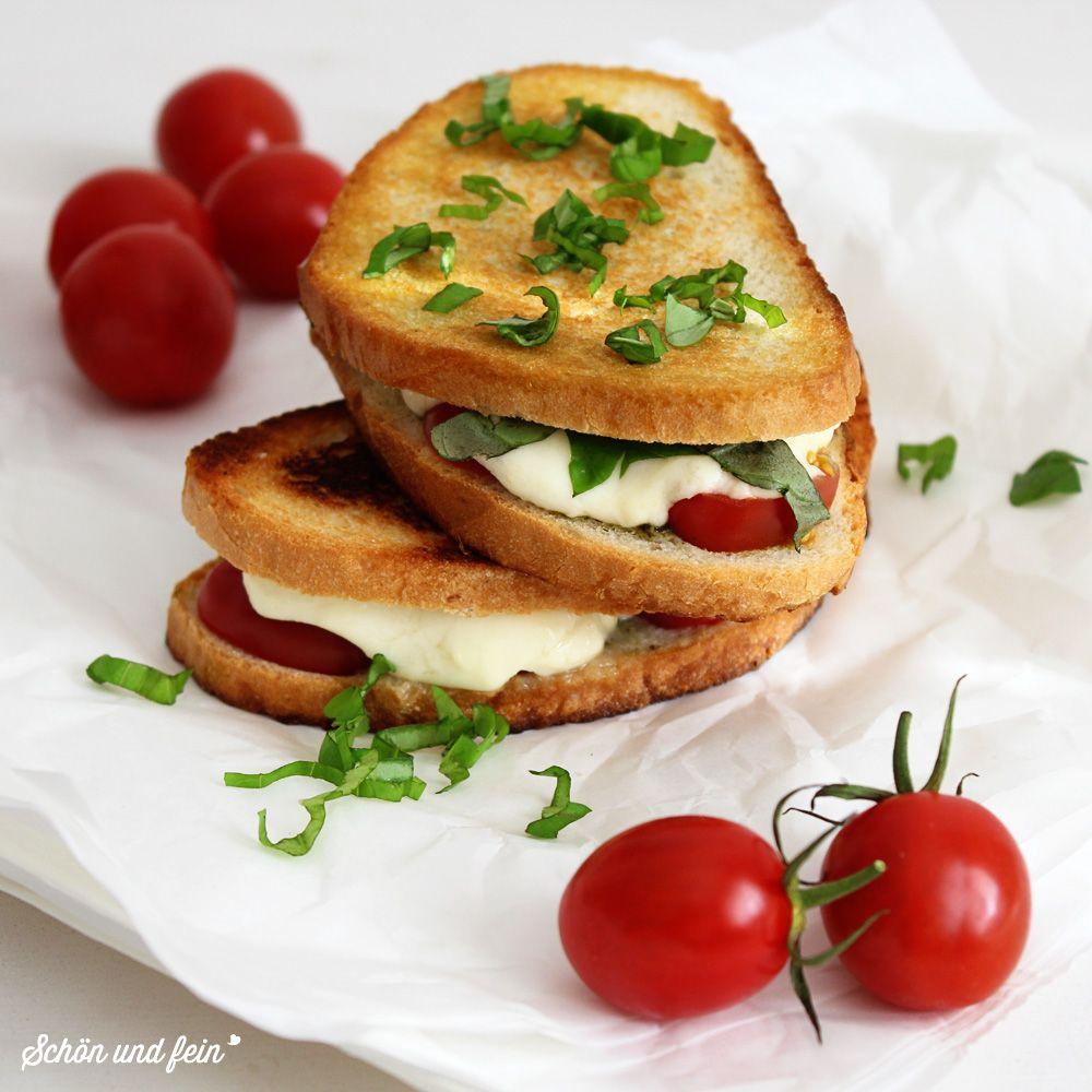 Caprese Sandwich mit Tomaten, Mozzarella und Basilikum › Schön und fein