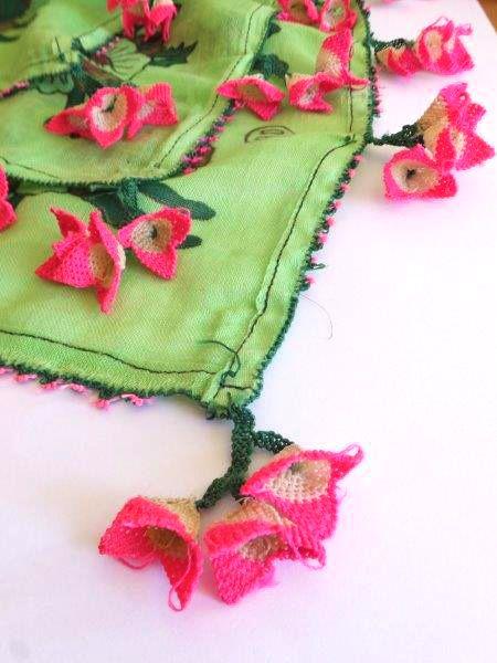 画像3: ベルガマ・コザック|アンティークオヤスカーフ|イーネオヤ|グリーン×ピンク花 (3)
