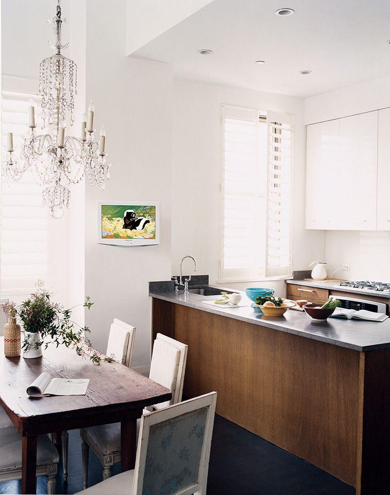Julianne mooreus montauk hideout chandeliers kitchens and