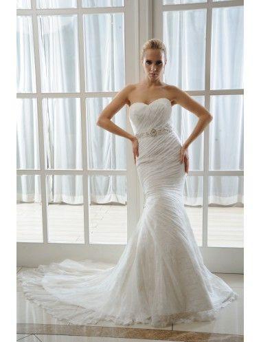vestido de novia en encaje, corte sirena, palabra de honor y escote