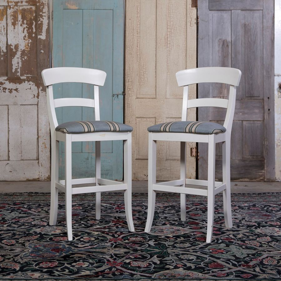 Beach House Bar Stools - Lake Geneva, WI http://www.mktsq.co/beach ...