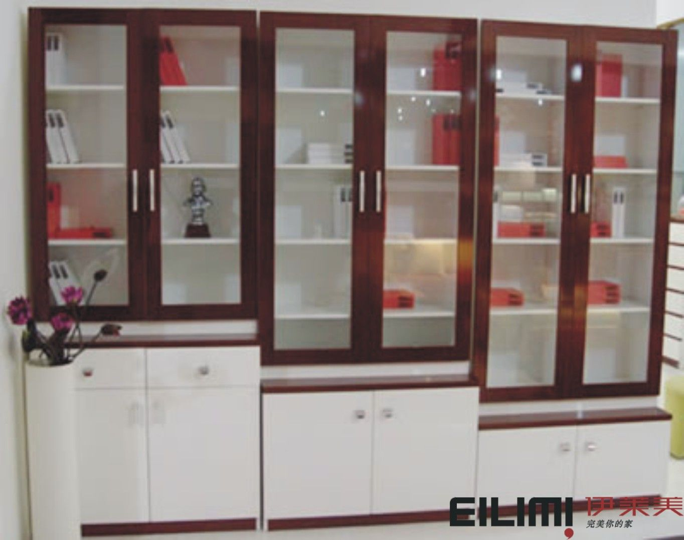 Living room cabinets gryslille living room cabinetry for Dining room cabinet designs pictures