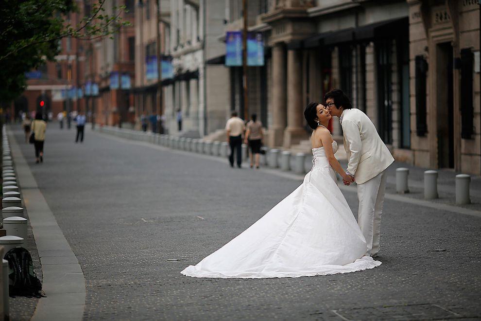 Weddings Wedding Poses Wedding Couple Posing
