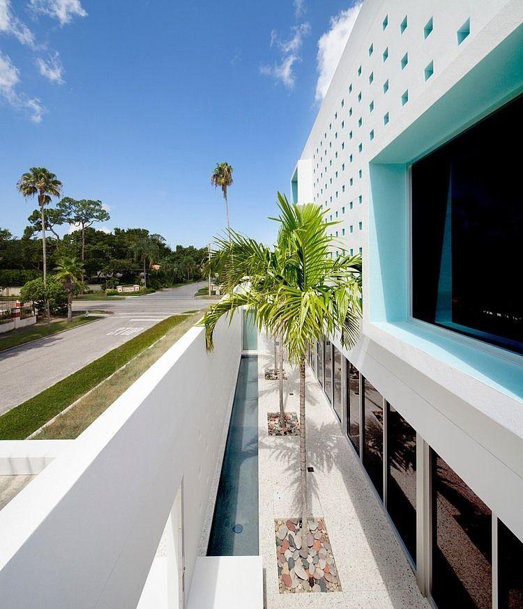 Maison contemporaine en Floride crée par Guy Peterson Facades