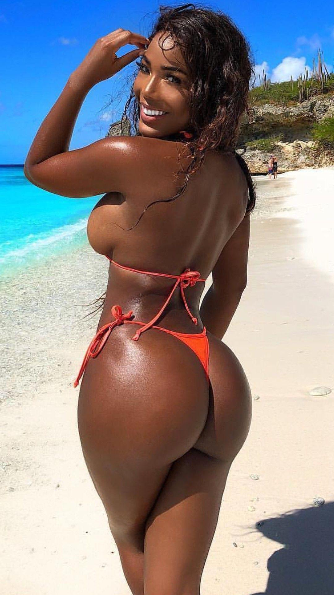 Monifa Jansen | Sexy and Beautiful Ladies