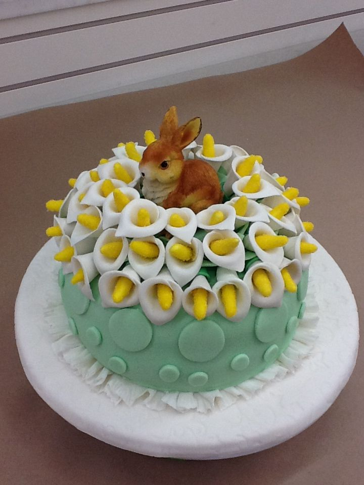 Samantha Hudson Made An Adorable Easter Cake As She Completed Course