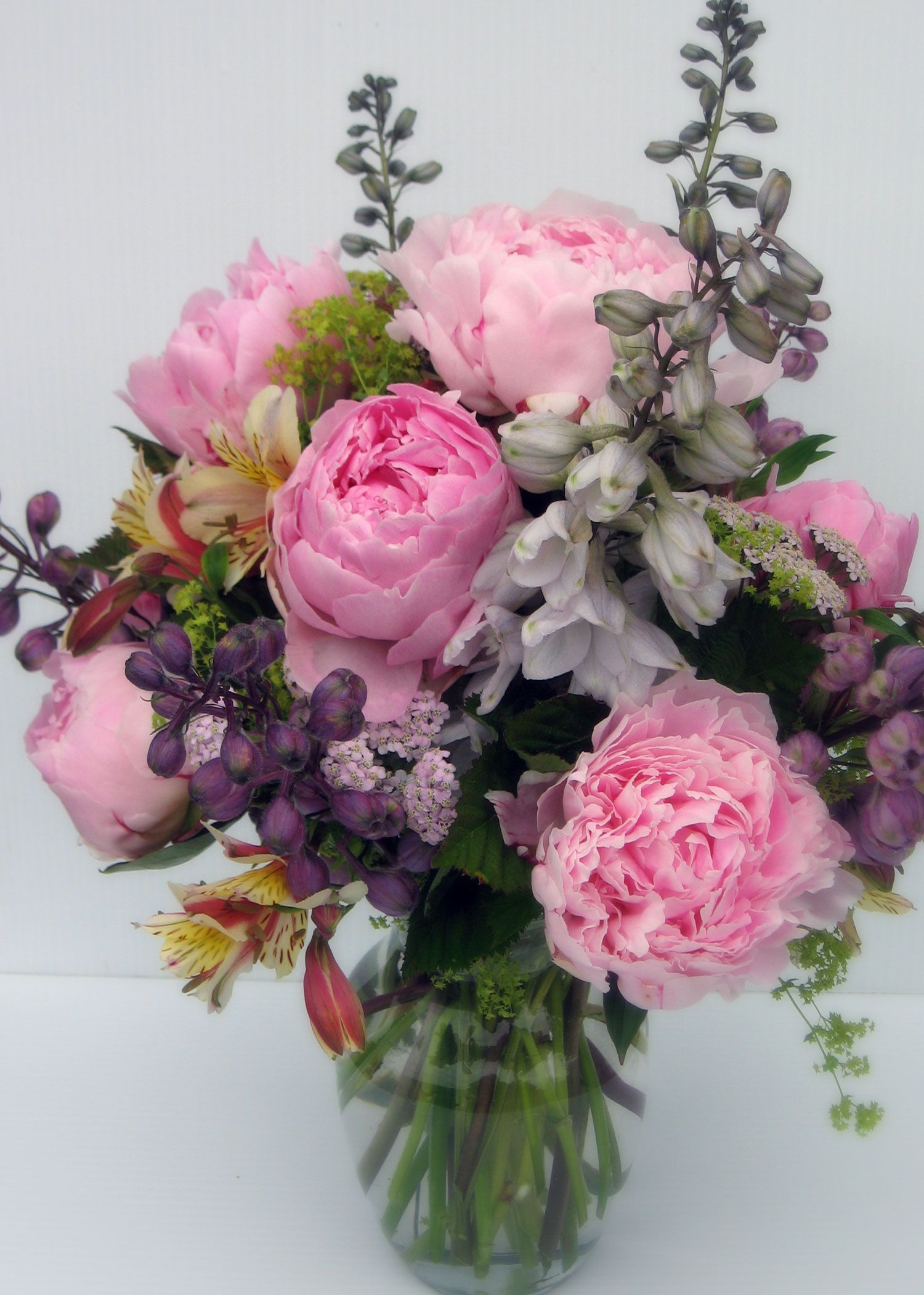 End of June. Sarah B peonies.   Kauniit kimput ja kukat   Pinterest ...