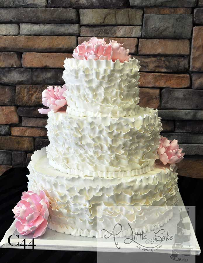 Wedding Cake Ideas Without Fondant | This 3 Tier Wedding Cake Is Iced With  Fondant That