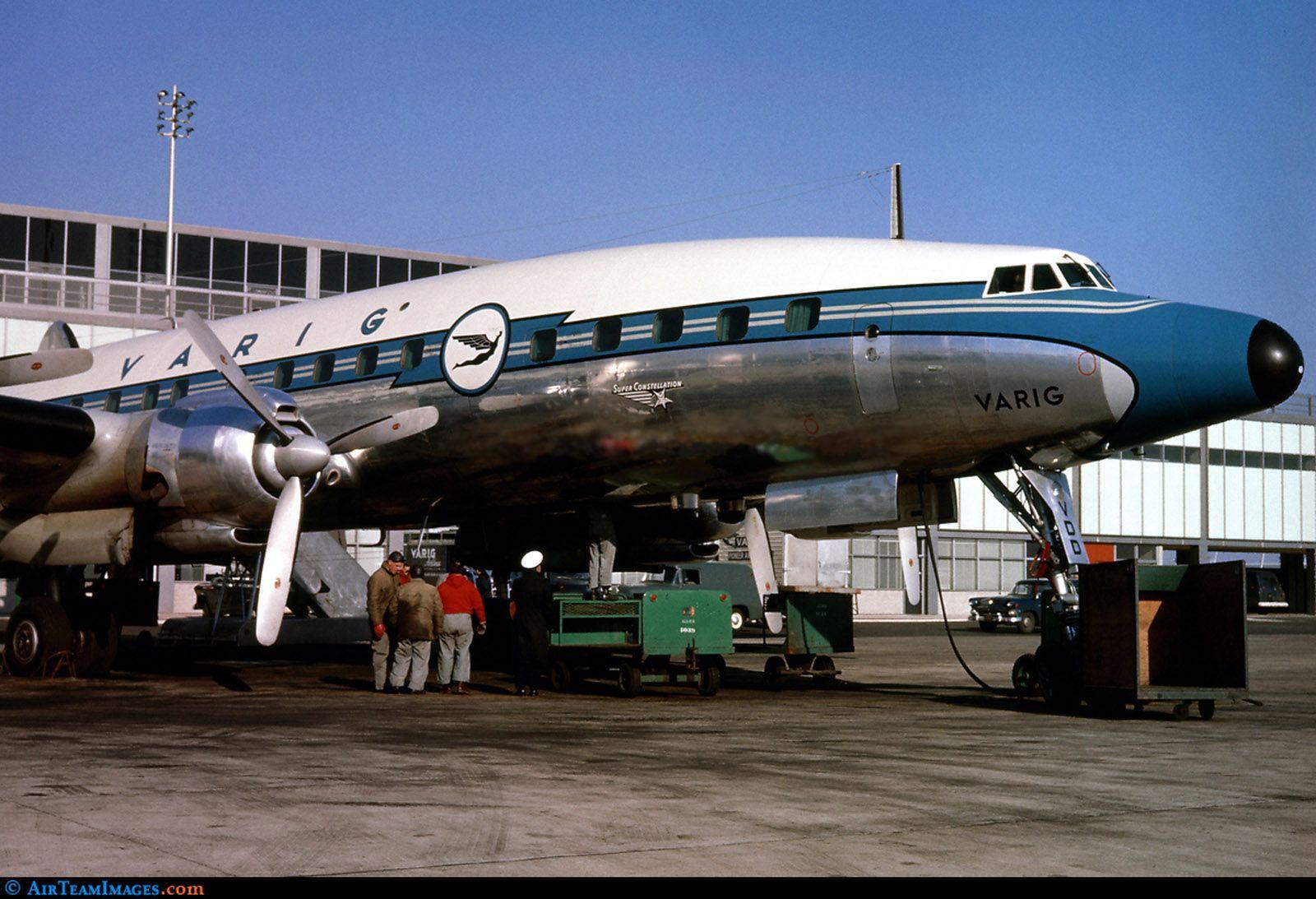 Aeroporto York : Lockheed : l1049 super h constellation. o pp vdd no aeroporto