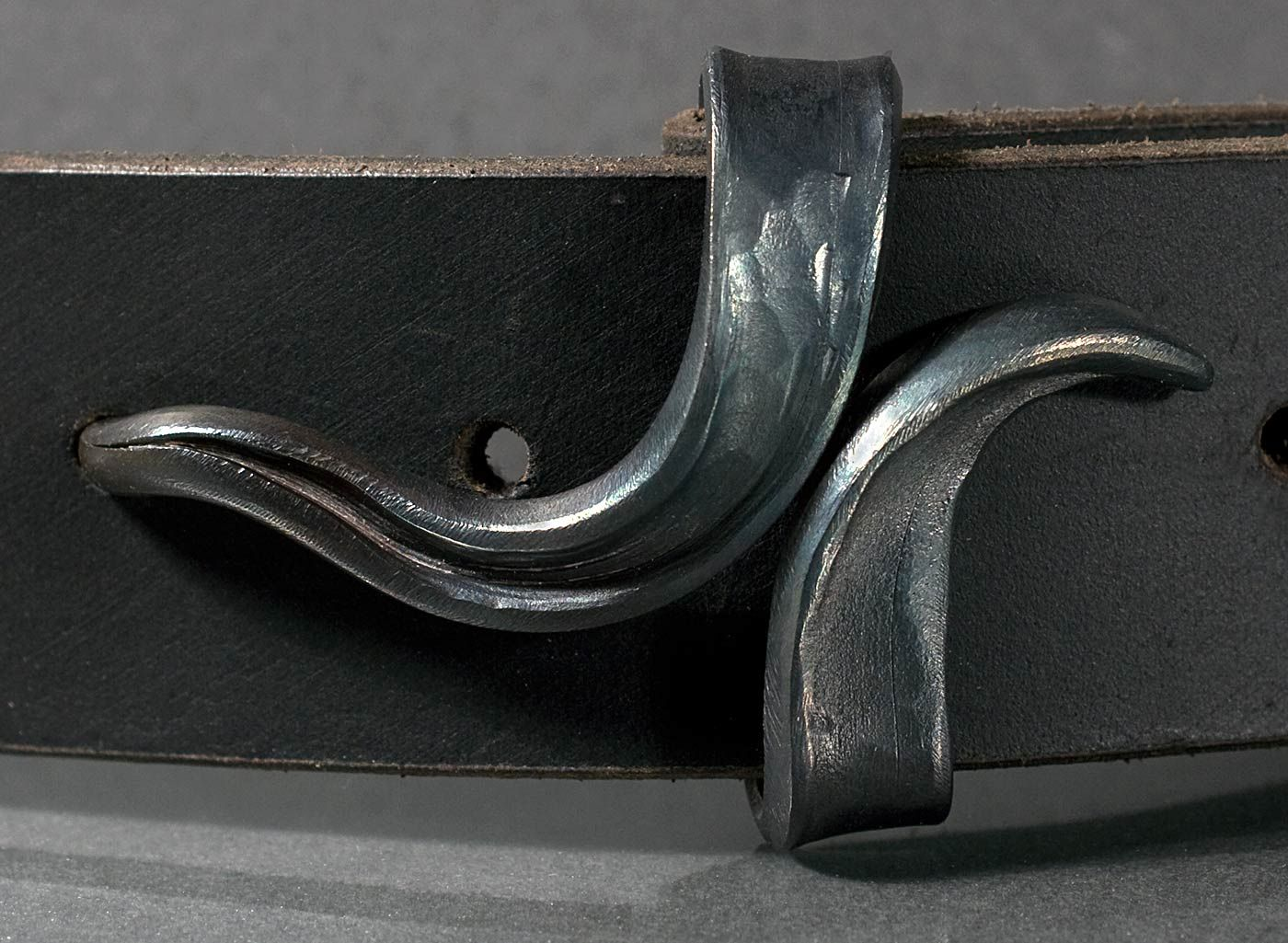leather belt with handforged square knot beltbuckle