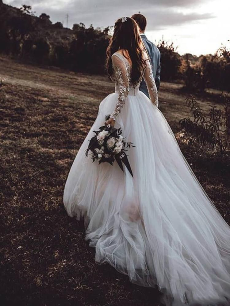 18++ Tulle floral applique wedding dress info