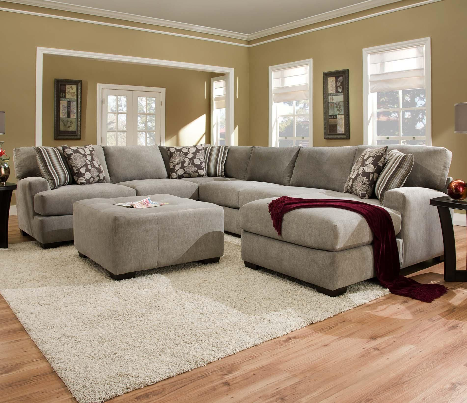 Corinthian 29a0 Sectional Sofa With 5