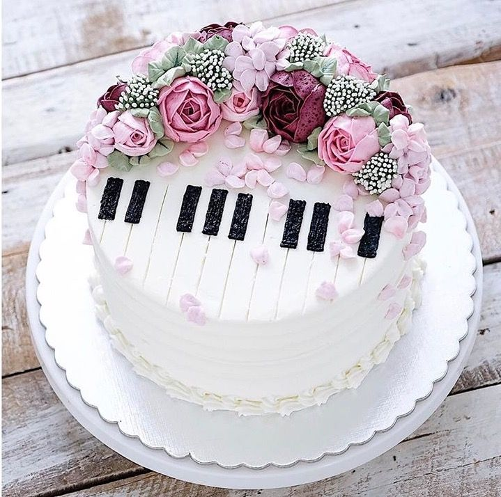 What a beautiful piano cake! | Music cakes, Cake, Music ...