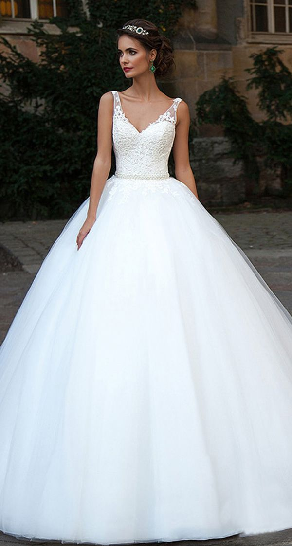 Glamorous Tulle V-Neck Neckline Ball Gown Wedding Dresses With Lace Appliques #spitzeapplique
