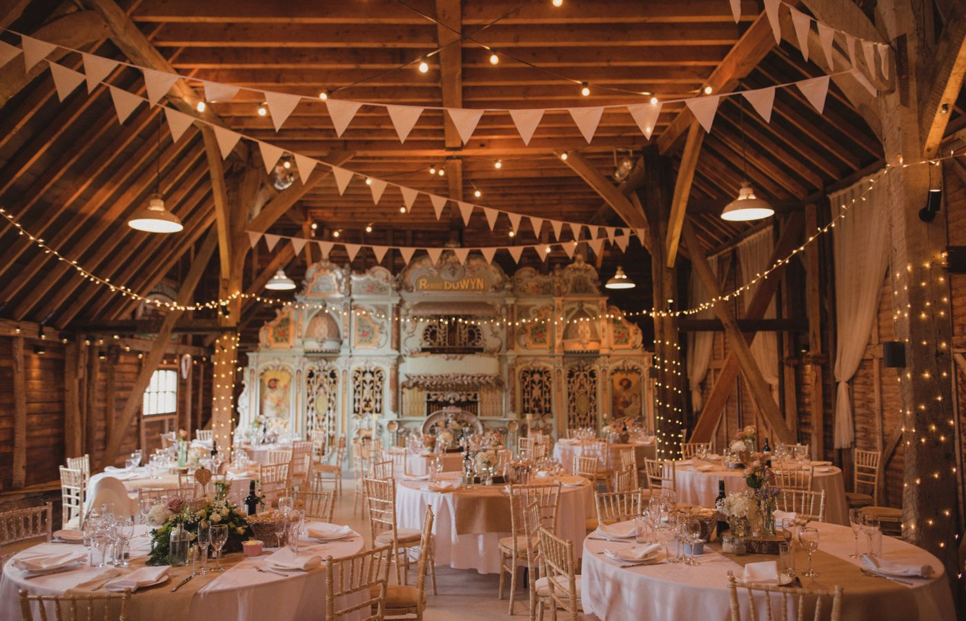 Free Wedding Venue Ideas.An Outdoor Wedding With Vintage Styling And Anna Campbell