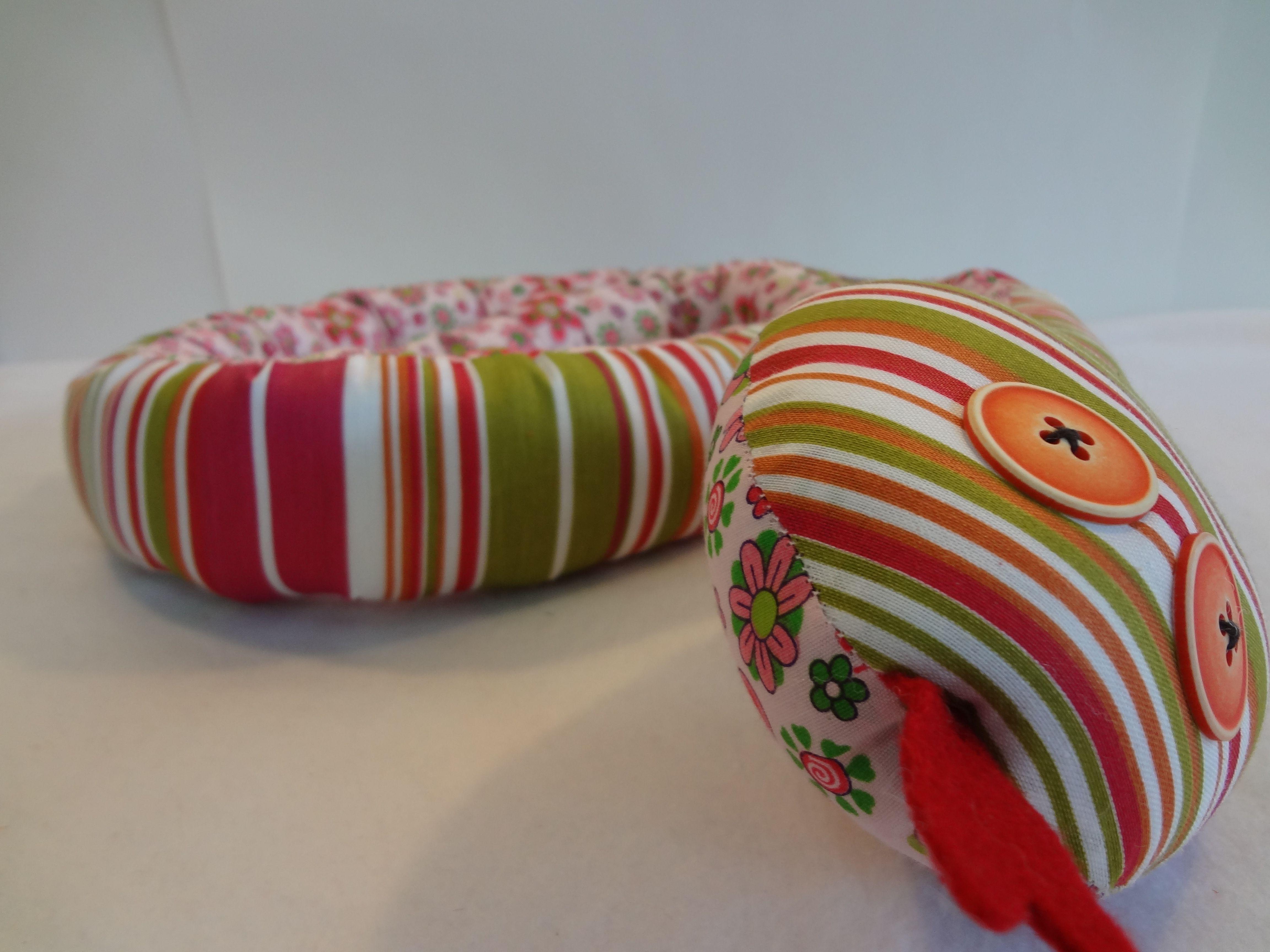 Culebra de tela, hecha a mano en Ecuador por Papalote. | Papalote ...