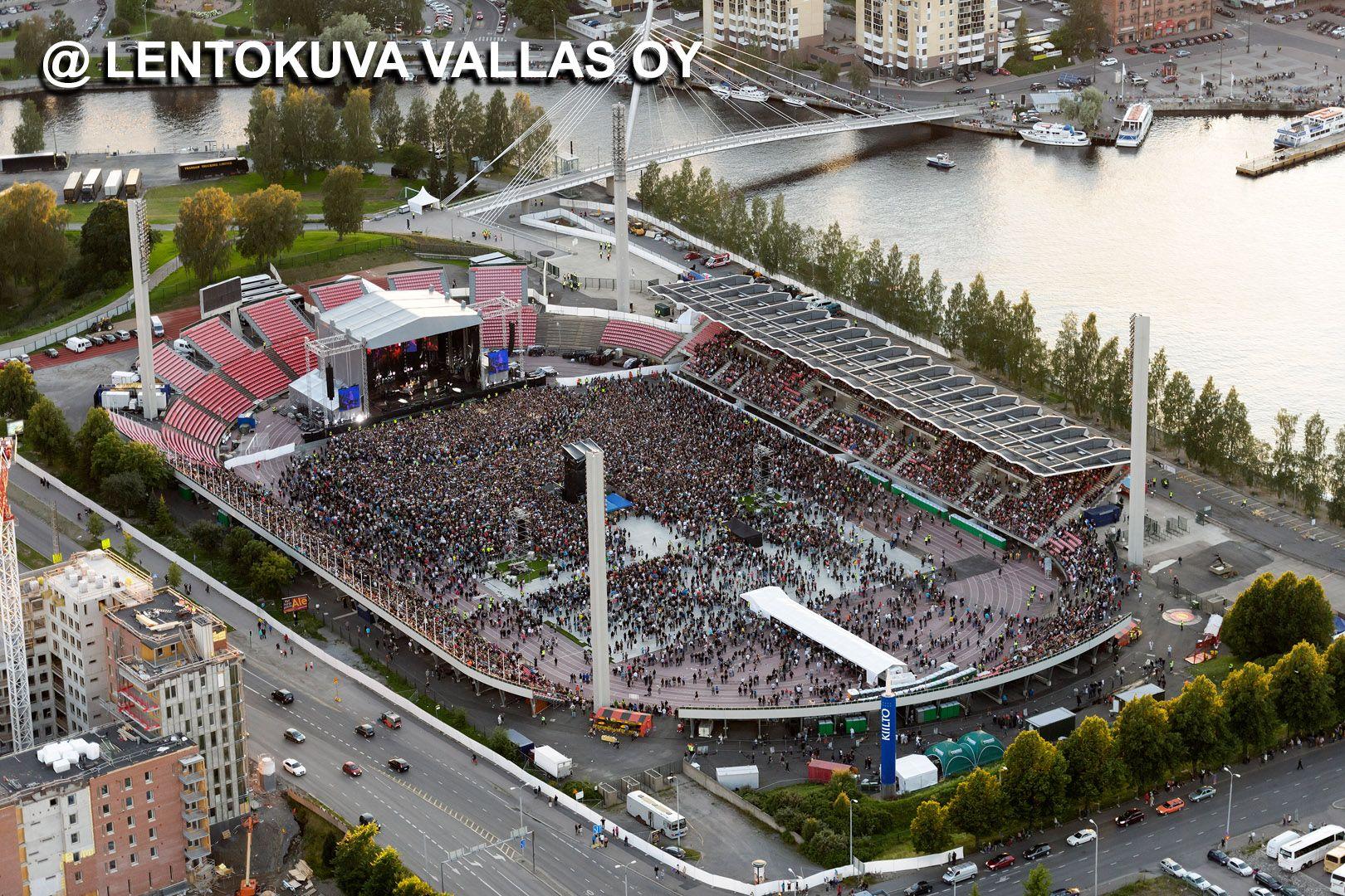 Tampere, Ratinan stadion, Red Hot Chili Peppers -konsertti, Ilmakuva: Lentokuva Vallas Oy ...