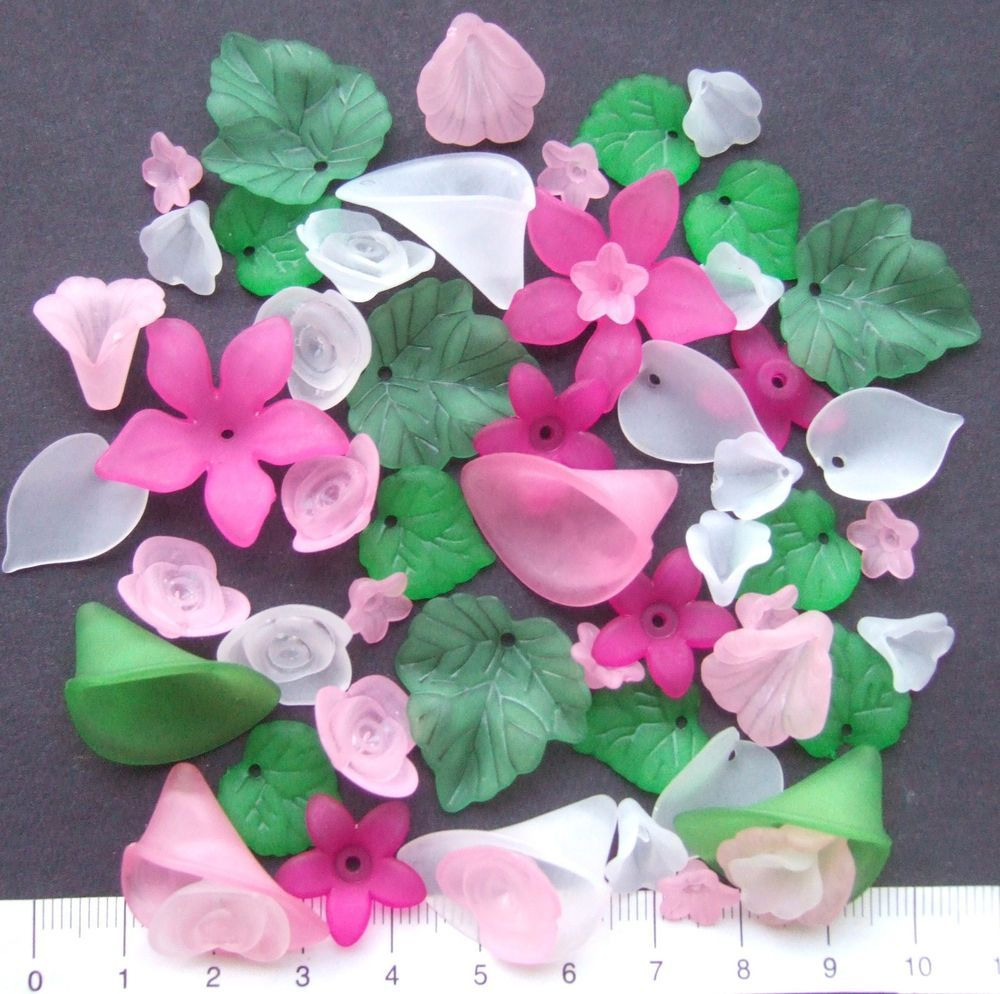56 x mix of lucite/plastic beads 10/28 mm  20 gms  PINK, WHITE, GREEN    Pack 2
