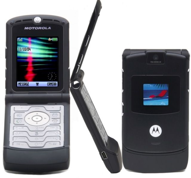 My Cool Flip Phone That Came With A Bluetooth Headset Motorola Razr Motorola Phone Cellular Phone