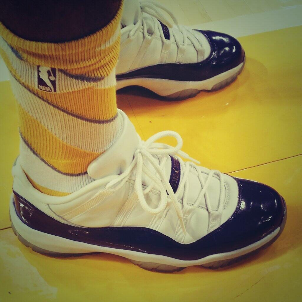 Air Jordan 11 Low Nick Young Lakers PE (2)