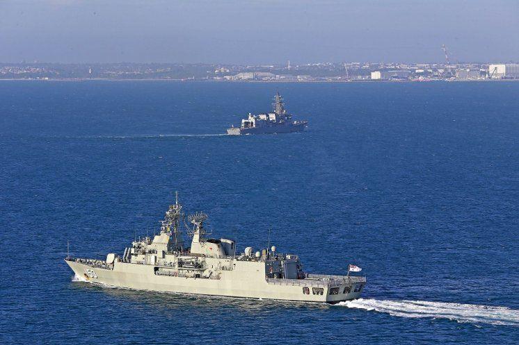Hmas Stuart Jds Kirisame Sail To Albany Australia Naval Today Royal Australian Navy Naval Navy Ships