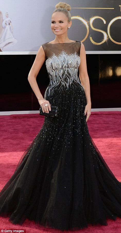Oscars 2013; Kristin Chenoweth in a Tony Ward gown and Simon G jewelry.