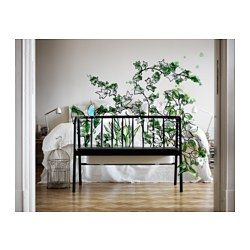 IKEA - ANVÄNDBAR, Penkki, jossa kukkalaatikko, Penkin takana on kukkalaatikko, johon voit asettaa lempikukkasi ruukuissaan.Kasvien pitäminen sisätiloissa parantaa kodin ilmanlaatua, koska kasvit tuottavat happea ja kosteuttavat ilmaa.