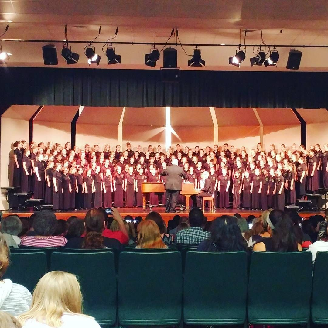 See that huge group of ladies? I know for a fact in that crowd are some AMAZING AWESOME young ladies. Came out to cheer on my @msm_indiana girls. Great job @ella_lavigne3. @christina.smith.03 Josie & Kendall. Y'all impress me so much! ❤ #hhms #msmfamily: